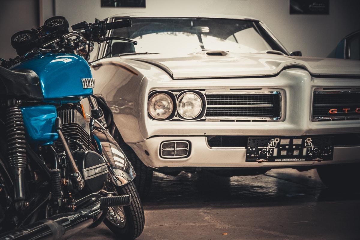 Yamaha Bike in blau by Retrowerk